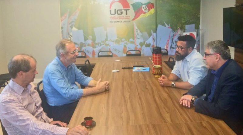 UGT-RS recebe pré-candidato Miguel Rossetto